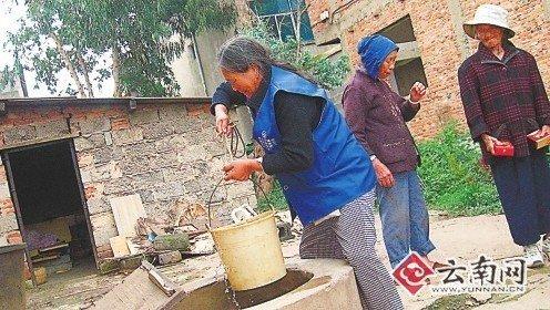 昆明28位老人因房屋被拆栖身猪圈柴房(图)