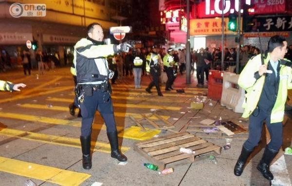 香港特区政府:全力缉拿肇事暴徒 将其绳之于法