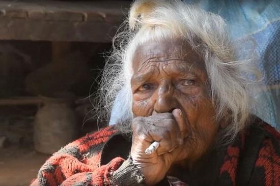 尼泊尔112岁老奶奶拉米契汗