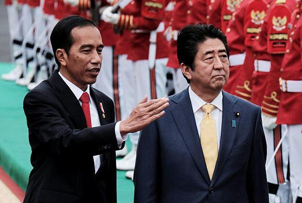 安倍又向印尼撒740亿援助 称要支援开发南海(图)