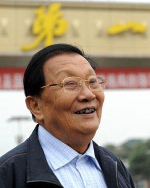 江苏华西村原党委书记吴仁宝因患肺癌逝世