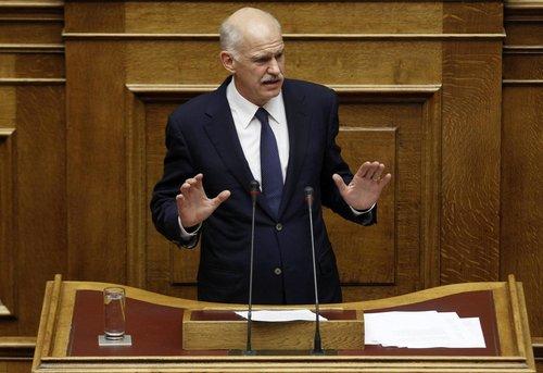 希腊总理被迫放弃公投方案 闹剧虽收场乱局仍不明