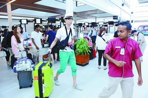 中国游客抵达马尔代夫首都马累。