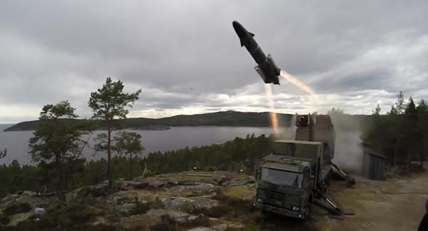 """英媒称瑞典从博物馆""""淘换""""武器:应对俄威胁"""