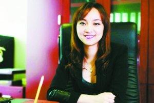 高清图—上海滩保险中介市场泛鑫保险总经理陈怡潜逃海外