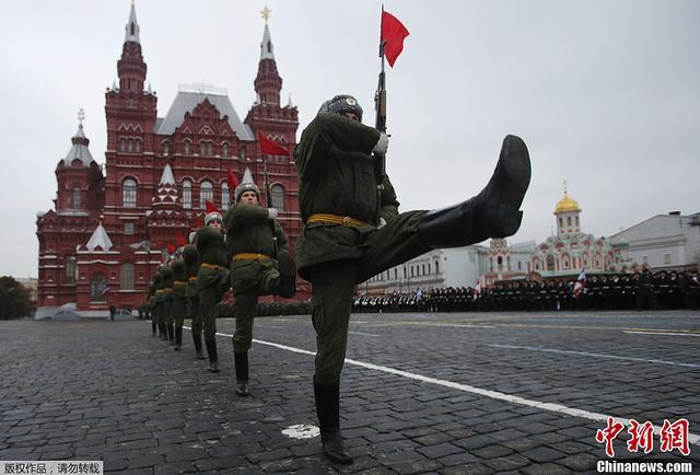 中俄首脑将互访阅兵 解放军方阵将走过红场