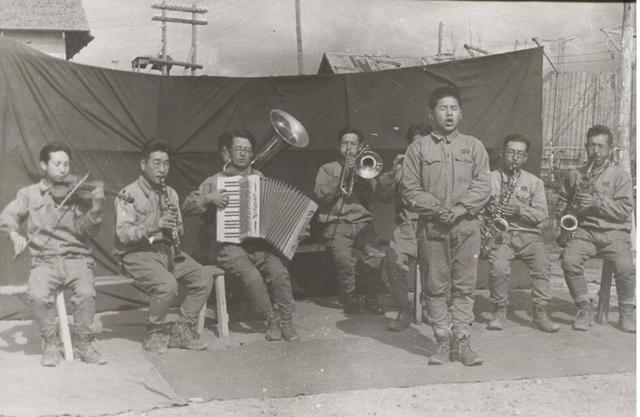 欢迎来地狱劳改:苏联人民热情欢迎日本战俘