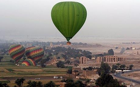 埃及发生热气球坠毁事故 19名外国游客遇难