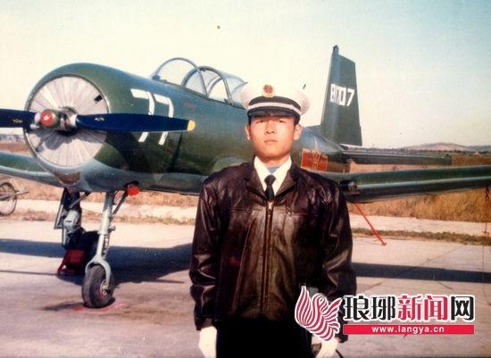 海军坠机事件2名飞行员牺牲 后座为少校领航长