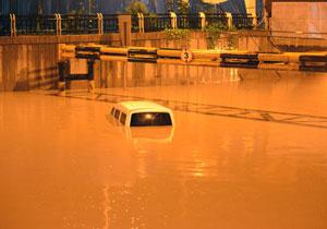 太原暴雨 市区内涝严重