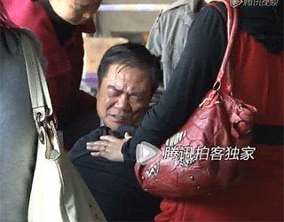 深圳大巴失控致遇难家属痛哭欲绝