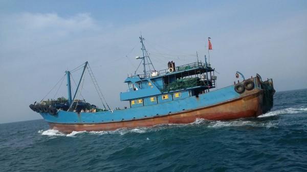 大陆渔船遭台湾重罚340万新台币 并被台舰艇驱离