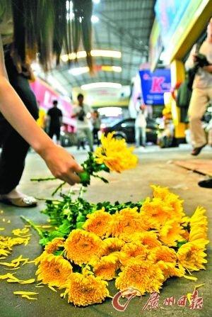 佛山警方呈请检方批捕女童被碾案疑犯(图)