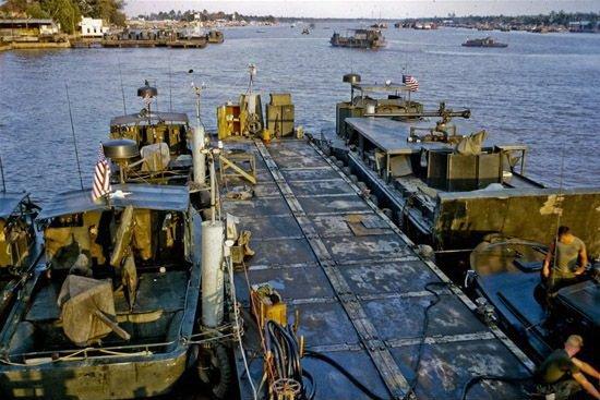 中国将收购5艘民船 改装用于湄公河武装护航