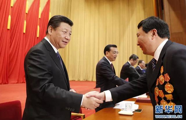以劳动托起中国梦,向辛勤奉献的劳动者致敬!