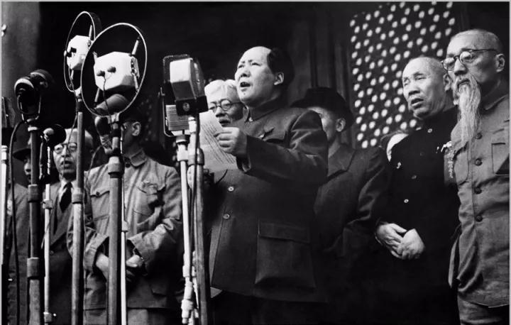 1949年10月1日£¬毛泽东在天安门城楼上向全世界庄严宣告£º中华人民共和国成立了¡£摄影/侯波