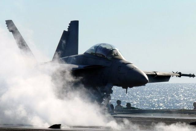 奥巴马称美军须为南海冲突做准备 受日菲越追捧