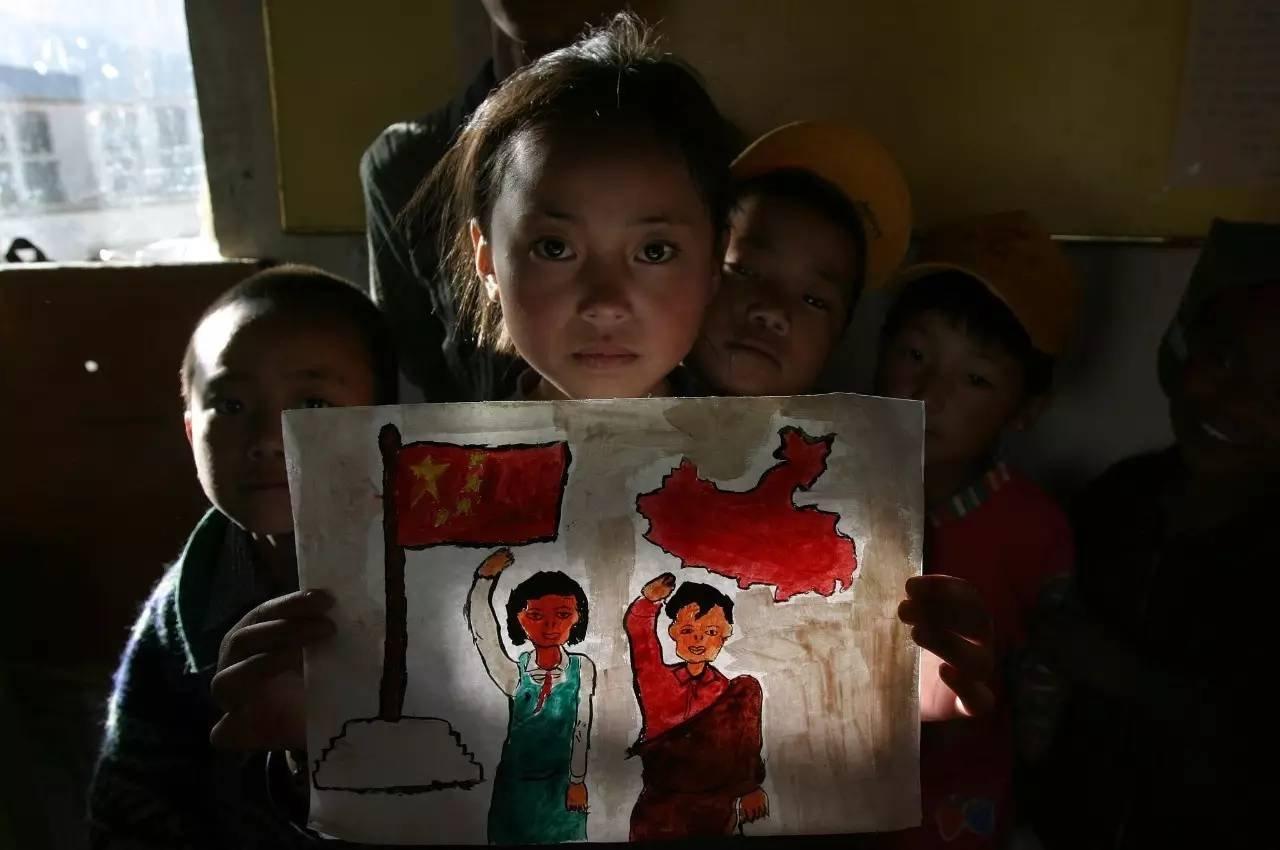 2006年6月10日,拉萨德吉孤儿院。图片来源/视觉中国