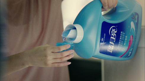 中外洗涤剂差异大 老外用啥洗衣服?