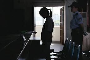 女子拐婴儿刑满又被控盗窃 面对监控坚称没干