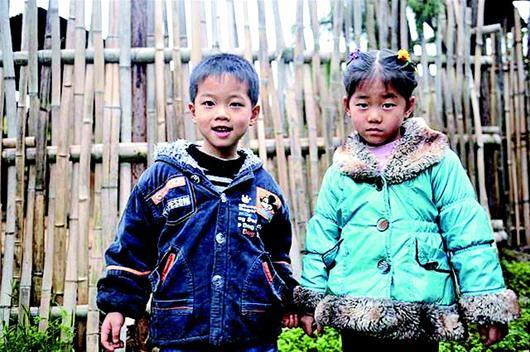 """崇阳小山村""""盛产""""双胞胎 50户有16对孪生子女"""
