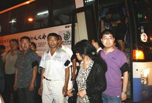 湄公河遇难中国船员家属从泰国安全归国(组图)