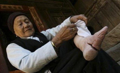 古代女人为什么裹脚