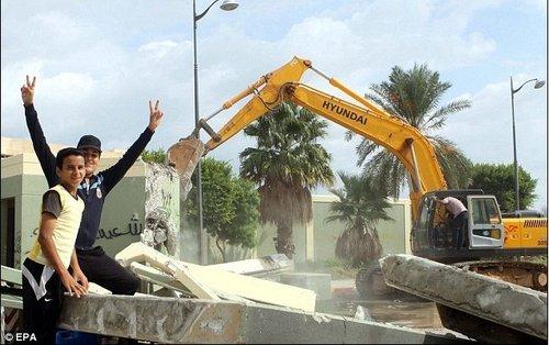 """西方外交官警告利比亚出现""""复仇""""文化(图)"""