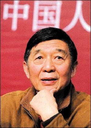 吴建民说,中国人绝对不能给世界留下这样的印象:我们非常冷漠,一毛不拔。资料图片/CFP