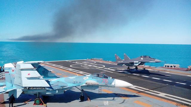 俄军航母出师不利:一架米格29在地中海坠毁