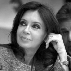 阿根廷女总统被全球追债不敢乘专机出国