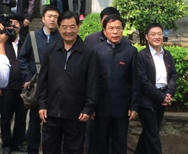 胡锦涛到访湖南大学 参观岳麓书院(组图)