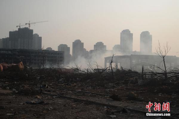 天津爆炸核心区再发生小型爆炸 防化分队紧急撤离_新闻_百辉网