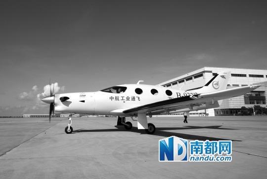 我国自主研发高端公务机首飞成功 缔造多项第一