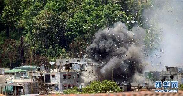 菲律宾总统警告恐怖分子:如有必要,会炸平马拉维市