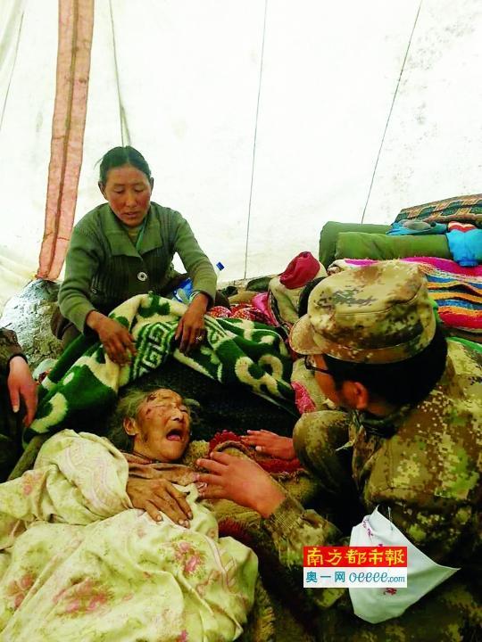 """西藏""""黄金72小时""""内打通地震重灾区道路(图)"""