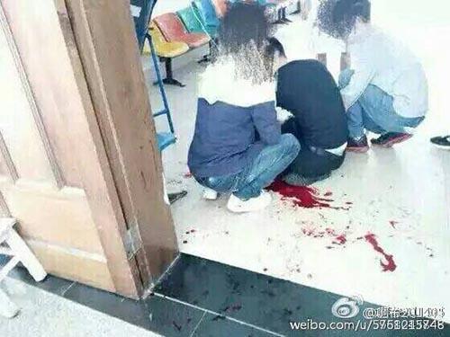 云南一高校男生在宿舍唱歌被室友杀害 嫌犯被拘