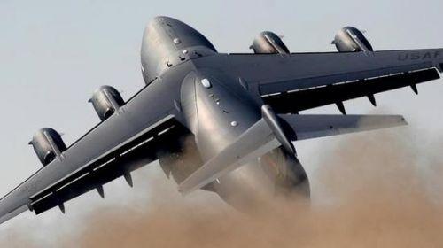 美C17运输机举行最后一阶段阻力降低试验