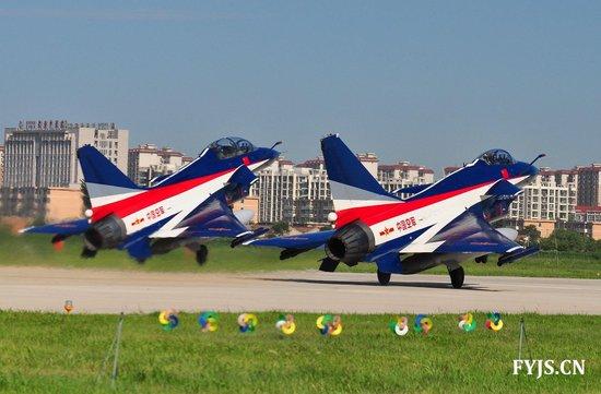 歼10将闪耀莫斯科航展 普京不满军工无能将缺席