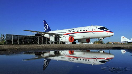 印尼航空公司称俄客机虽坠毁 并未放弃购买(图)
