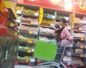 昆明一团伙4年来专盗家乐福超市 几乎每天作案