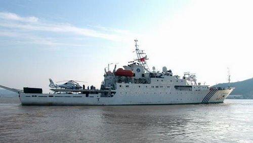 """4000吨级的""""海监50""""船是""""海监83""""船的姊妹船,但设备更加先进。(资料图)"""