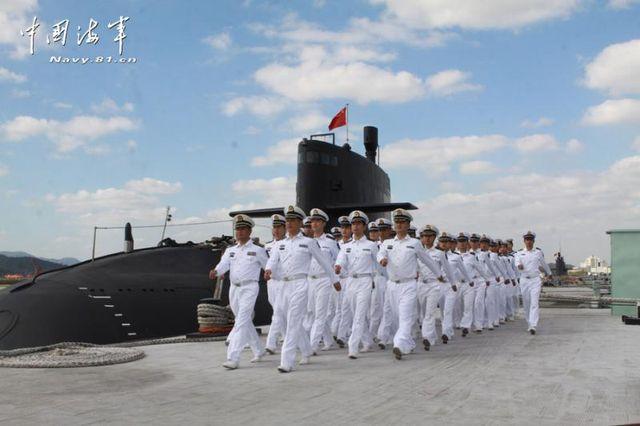 北海舰队某潜艇试训基地34名新学员通过考核