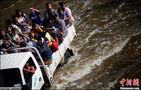 泰国洪灾持续3月 全国373人死亡