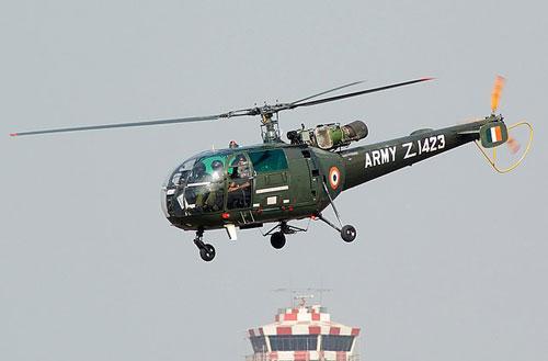 俄媒:印军一架印度豹直升机坠毁 3名军官死亡