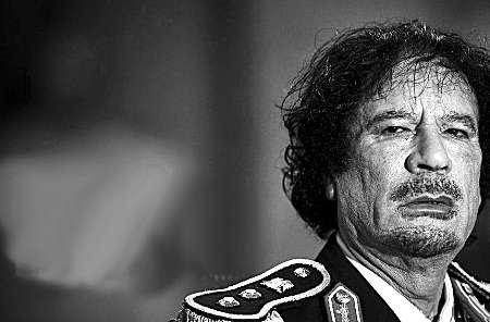 卡扎菲喜欢在斋月晚餐时间电视直播绞刑