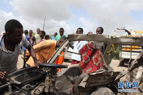 索马里一小型客车遭路边炸弹袭击 至少6人死亡