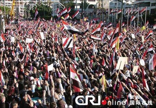 叙利亚民众曾举行集会,抗议阿盟计划制裁叙利亚。