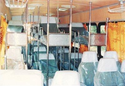 卧铺客车因安全隐患被叫停 专家称仍有市场