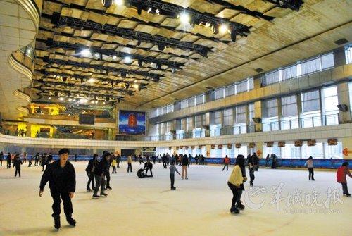 广州现在哪里可以溜真冰图片